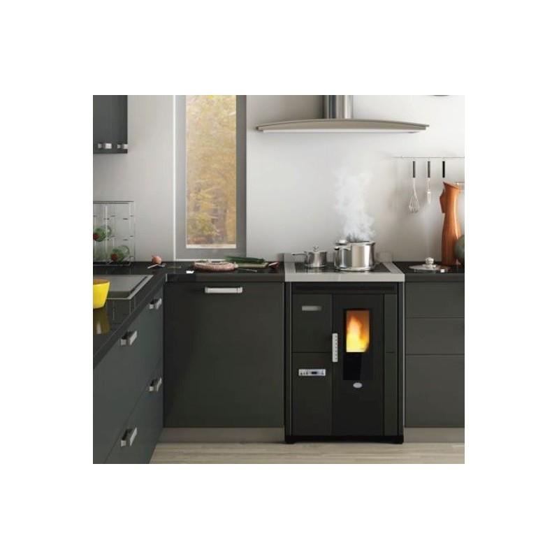 Nina Cucina Incasso Pellet Piano Cottura Vetro Ceramico Eva Calor 7,5 kW