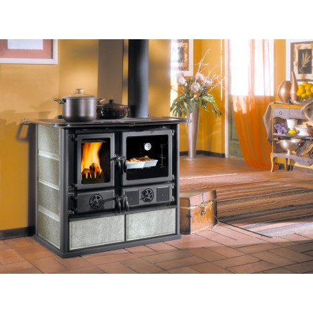 Wood burning cooker Rosa Petra in natural stone 6,5 kw la nordica